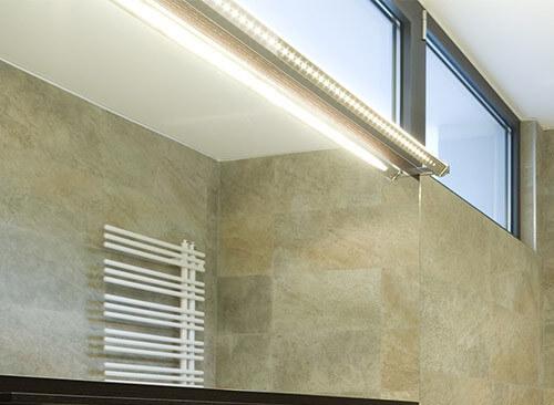 eclairage salle de bain spot sur rail rénovation moderne