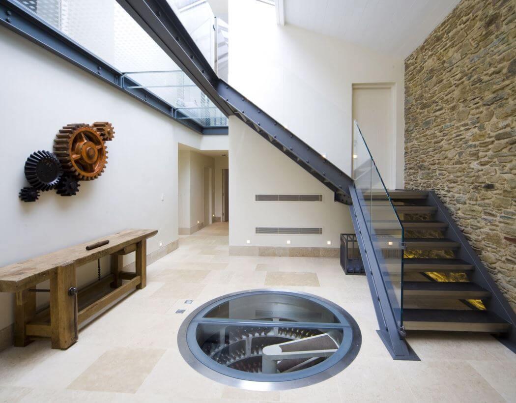 Rénovation d'une maison bordelaise avec cave à vin à trappe vitrée