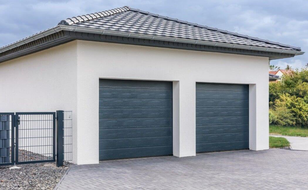Faire construire un garage guide complet 2019 de la construction de garage - Porte garage double ...