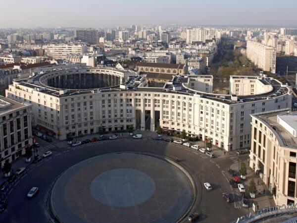 Architecture immeubles des années 80, Place de la Catalogne, Paris 14e