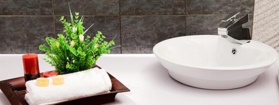 R novation maison guides prix au m devis en ligne - Panneaux d habillage pour renover sa salle de bains ...