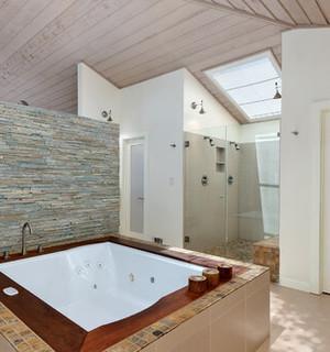 renovation salle de bain baignoire jacuzzi combles