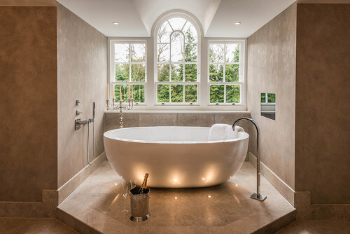 La baignoire lot pour votre salle de bain Modele salle de bain avec baignoire